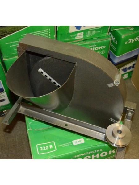 Корморезка Зубренок 1,5 кВт (зерно+корнеплоды) ручная