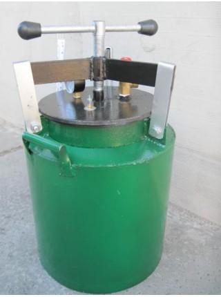 Автоклав зеленый для консервации маленький на болтах